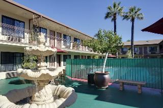 Studio City Court Yard, 12933 Ventura Blvd,12933