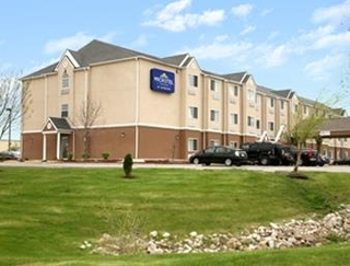 Microtel Inn & Suites Kansas City Airport
