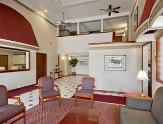 Super 8 Motel - Mount Pleasant