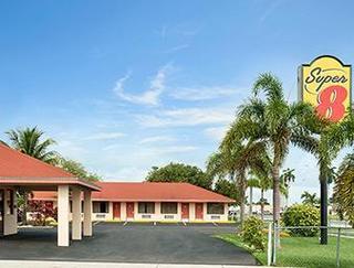 Super 8 Motel - Florida City/Homestead
