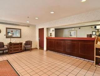 Super 8 Motel - Madison East