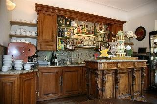 Chateau de Vignee, Rue De Montainpre 27-29,27-29