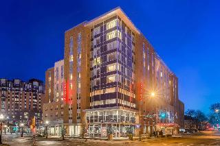 Hampton Inn & Suites Madison / Downtown