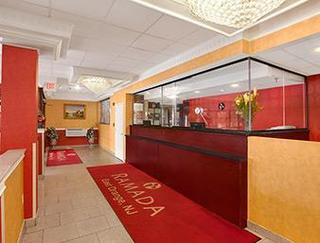 New York Hotels:Ramada East Orange
