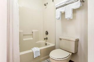 Quality Inn Gallatin, 1001 Village Green Crossing,