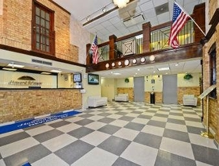 Howard Johnson Hotel - Newark