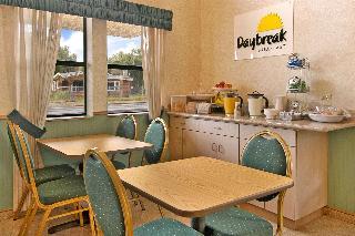 Days Inn & Suites Hayward