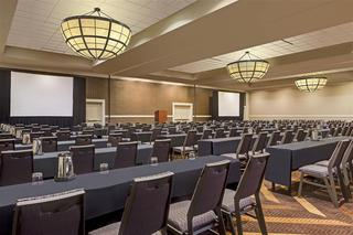 Sheraton Overland Park Hotel At The Convention Cen
