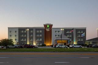 Holiday Inn Express…, E. 23rd St 524,524