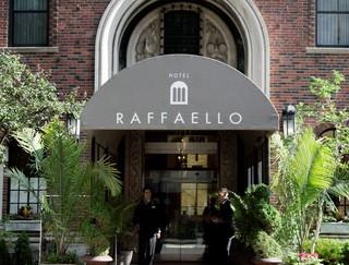 Raffaello Hotel, East Delaware Place,201