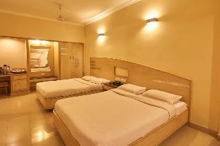 Hotel Sree Murugan, Devi & Co.lane ,56
