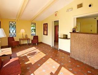 Super 8 Motel - Lantana / West Palm Beach