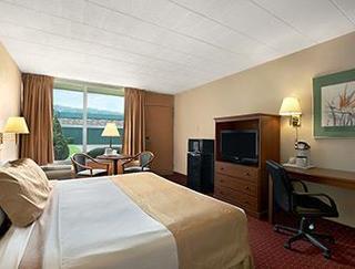 Days Inn by Wyndham Butler Conference Center