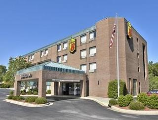 Super 8 Motel Raleigh North East