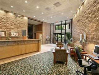 Howard Johnson Inn - Springfield Suites