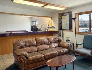 Super 8 Motel - St. Cloud