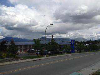 Canadas Best Value Inn…, 1200 Rogers Way,