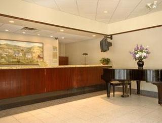 Ramada Clarks Summit Hotel
