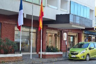 Hotel Capelli, Diez Oriente,1131