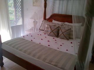 Hummingbird Beach Resort, Anse Chastanet Road ,