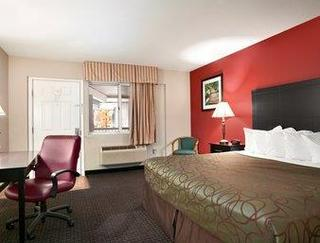 Traverse City Travelodge