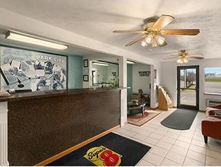 Super 8 Motel - Park City/north Wichita Area