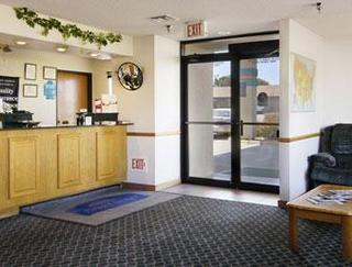 Howard Johnson Express Inn - Wichita