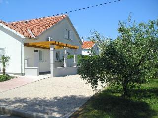 Villa Mandolina Apartments, Josipa Kosora 19a,19a