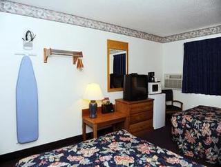 Super 8 Motel - Petersburg/hopewell Area