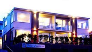 Roslyn Apartments