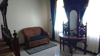 Chavda Hotel, Bhagani Street,