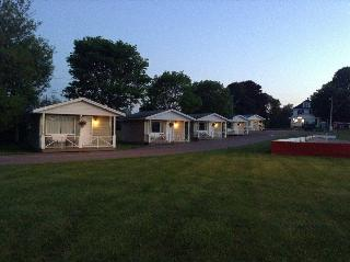 Royalty Maples Cottages…, Malpeque Road,89