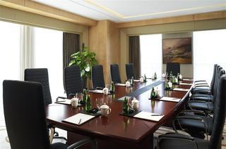 Sheraton Zhenjiang Hotel, 88 Beifu Road,