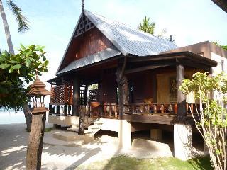 Dewshore Resort, 13011 Moo 1bantai Koh Phangan…