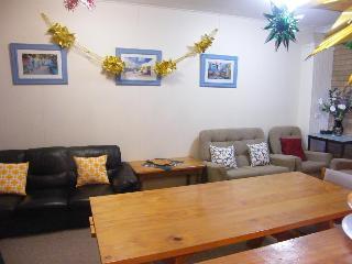 Boomers Guest House…, 1 Uren Court,1