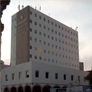 San Francisco Business…, Portal Carrillo Puerto,1