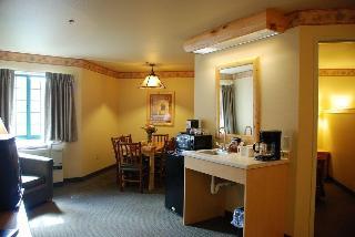 Tundra Lodge Resort, Lombardi Avenue ,865