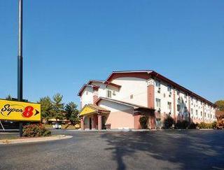 Super 8 Motel - Greensboro/coliseum/conv.