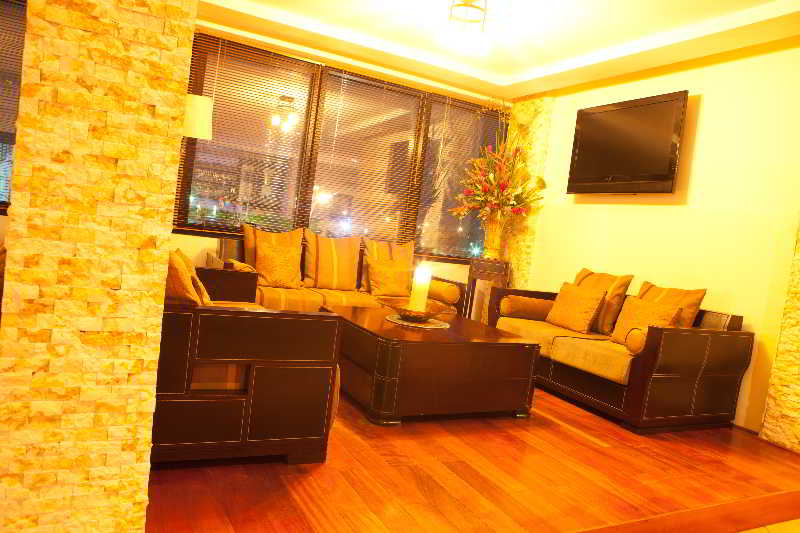 Oak Plaza Hotels - East…, 2 Nai Tetteh Street East…