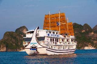 Gray Line Cruise, Tuan Chau Marina Port, Halong,…