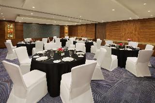 Book DoubleTree by Hilton Hotel & Residences Dubai Al Barsha Dubai - image 0