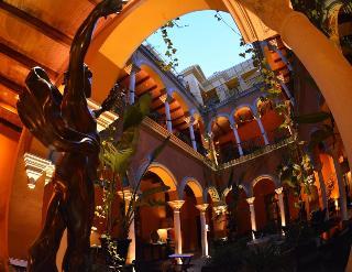 Hotel Casa Del Poeta, Calle Don Carlos Alonso Chaparro,3…