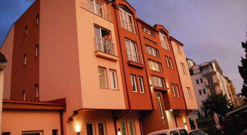 Villa Milka, Bogomilska 85a,