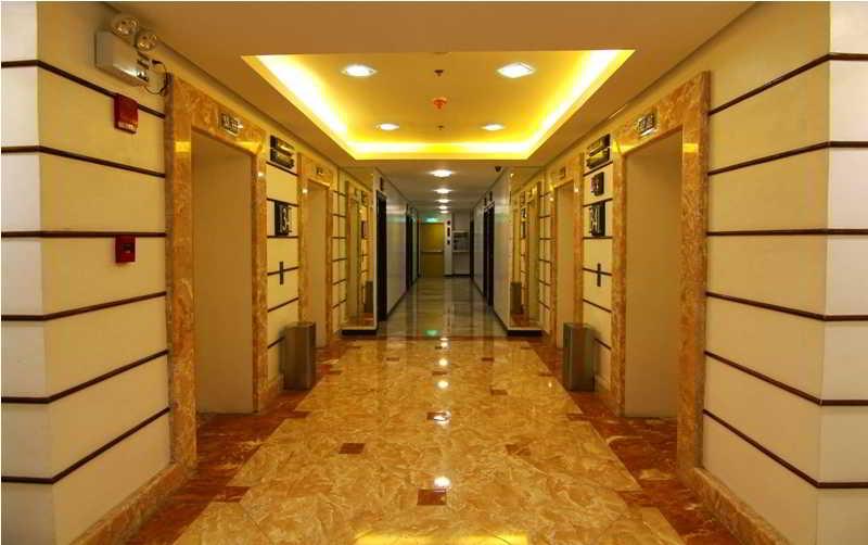 Regency Grand Suites - Diele