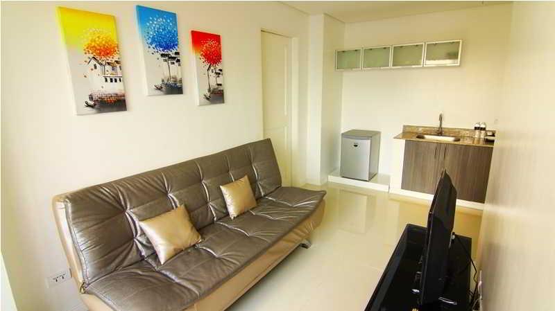 Regency Grand Suites - Zimmer
