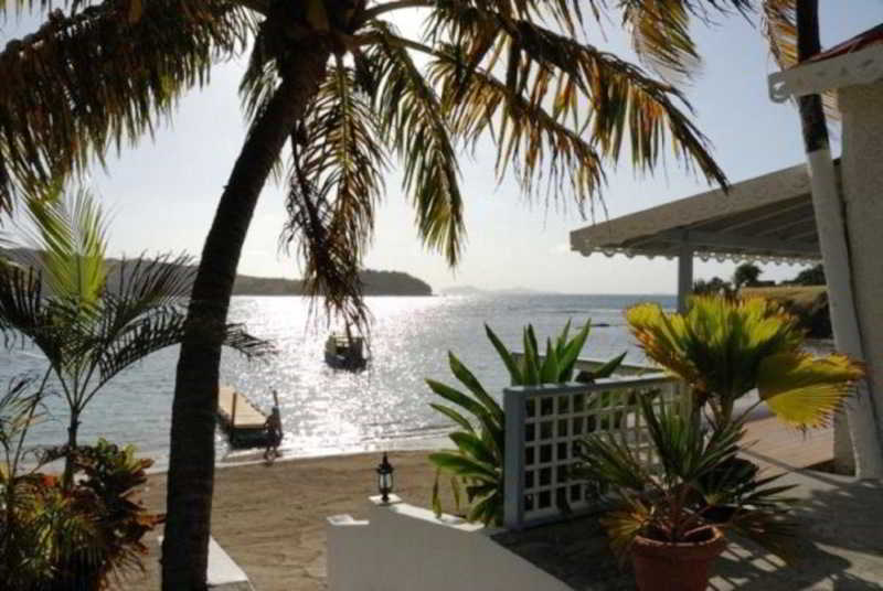 Bequia Beachfront Villas, La Pompe, Friendship Bay…