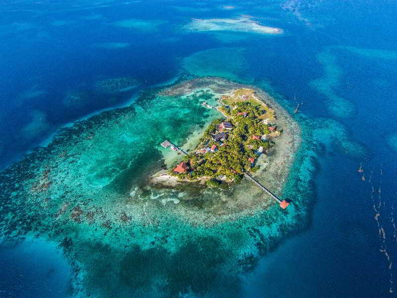 Hatchet Caye Resort, Offshore Placencia,