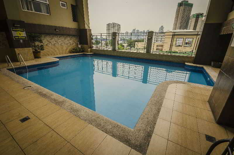Shaw Residenza Suites - Pool