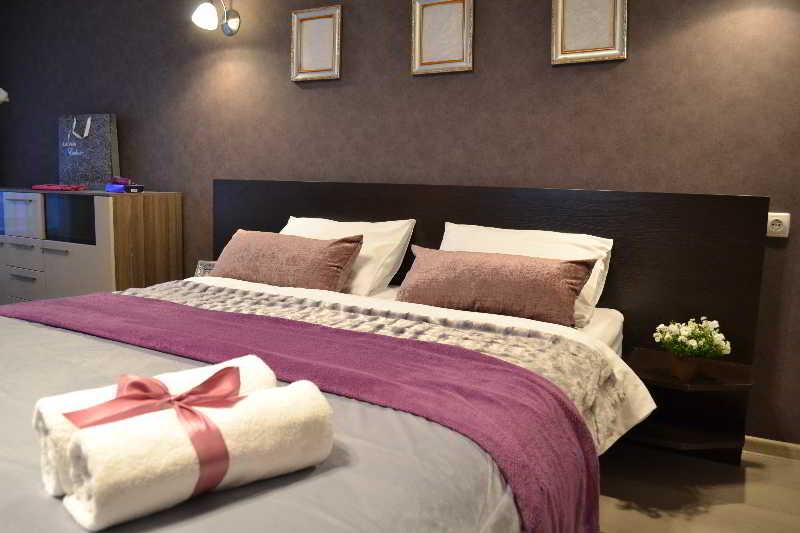 Jazz Apart Hotel, Druzhby Narodiv Blvd.,14-16