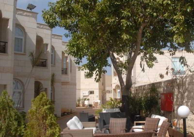 Acco Beach Hotel, 1 Haarbaa Road,